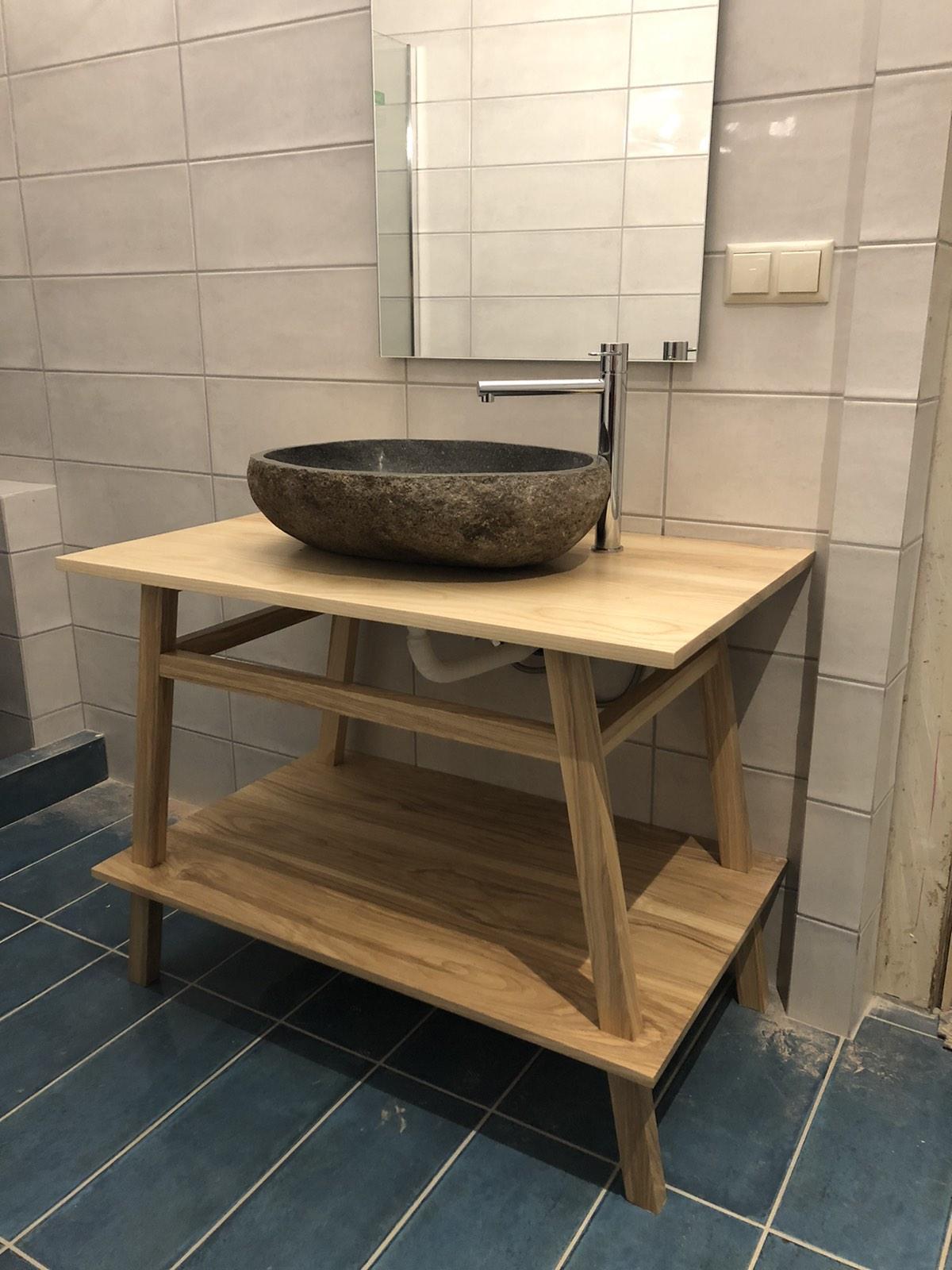 Τραπεζάκι μπάνιου από δεσποτάκι